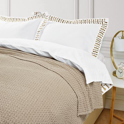 Ecuador Throwover Bedspread